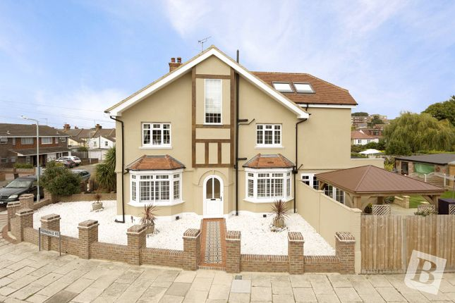 4 bed end terrace house for sale in Central Avenue, Gravesend, Kent