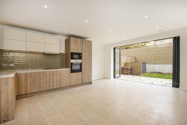 Thumbnail Detached house to rent in Beatrice Place, Southfields, London