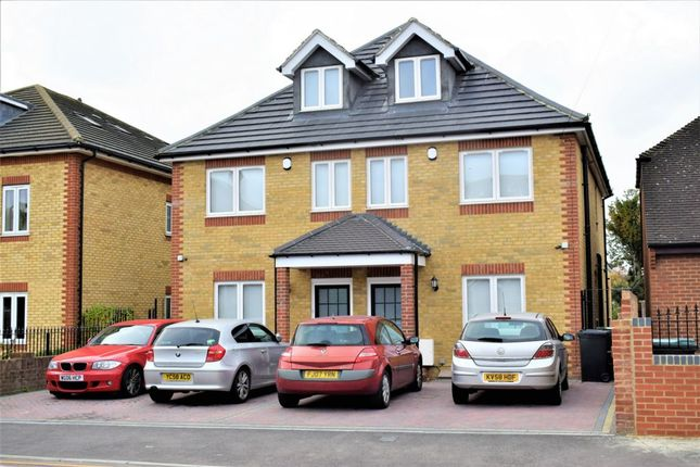 Thumbnail Terraced house to rent in Lennox Road, Gravesend