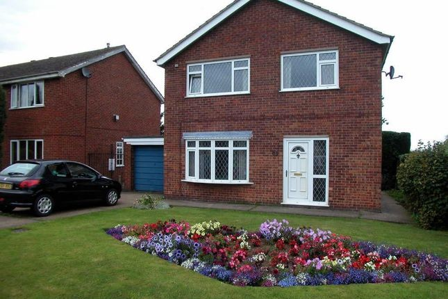 Thumbnail Property for sale in Sandringham Drive, Louth, Lincolnshire