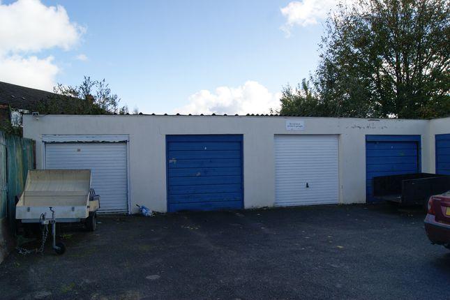 R030 Garages 7-10