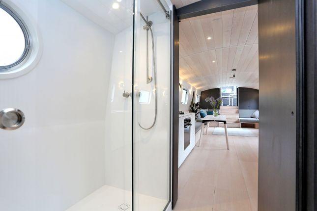 Bathroom of St Katharine Docks, Wapping E1W