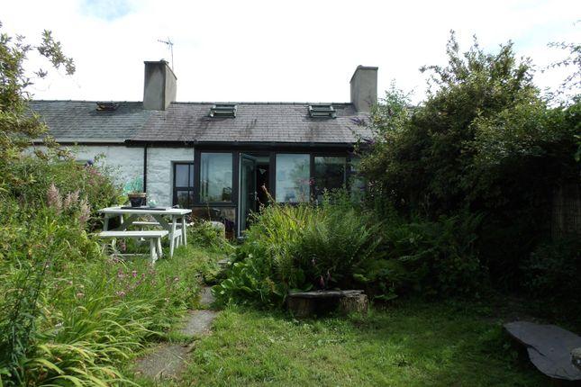 Terraced house for sale in Pant Y Celyn, Llanllyfni, Caernarfon, Gwynedd