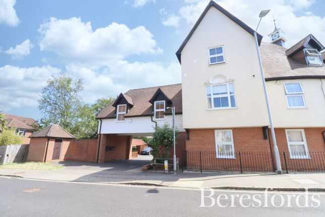 2 bed flat for sale in Braintree Road, Dunmow, Essex CM6