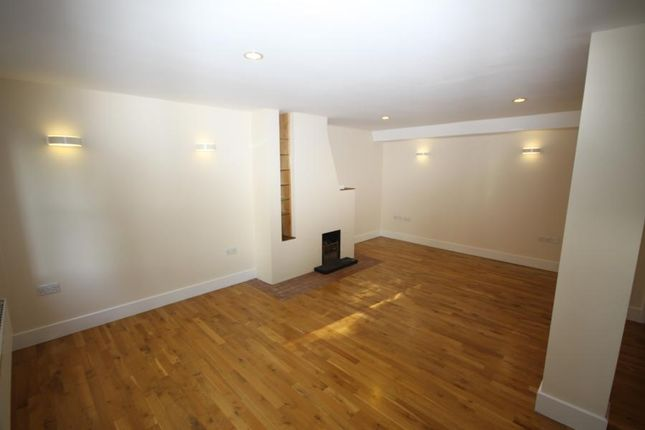 Thumbnail Cottage to rent in Lloyds Place, Blackheath
