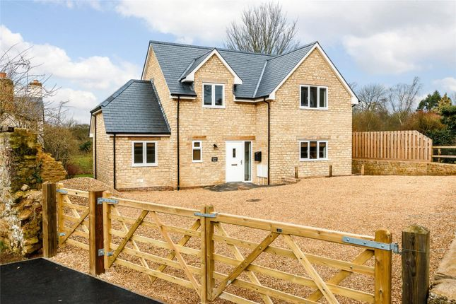 4 bed detached house for sale in Great Coxwell, Faringdon