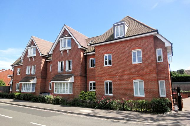 2 bed flat to rent in Shore Road, Warsash, Southampton SO31