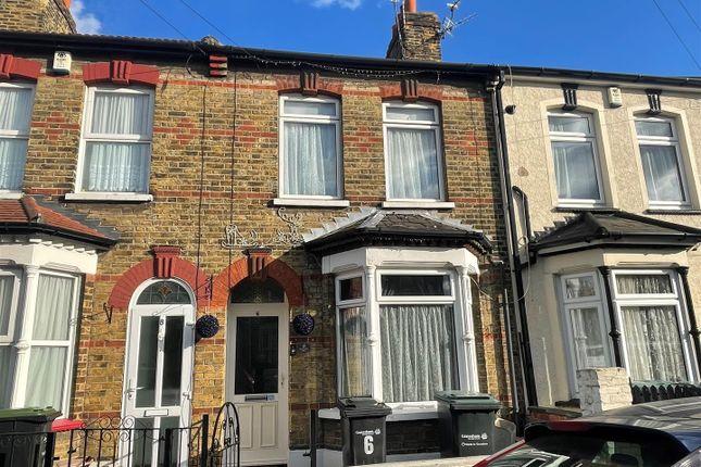 2 bed property to rent in Stanbrook Road, Northfleet, Gravesend DA11