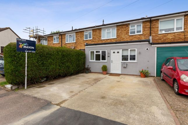 Thumbnail Property for sale in Wynton Gardens, London