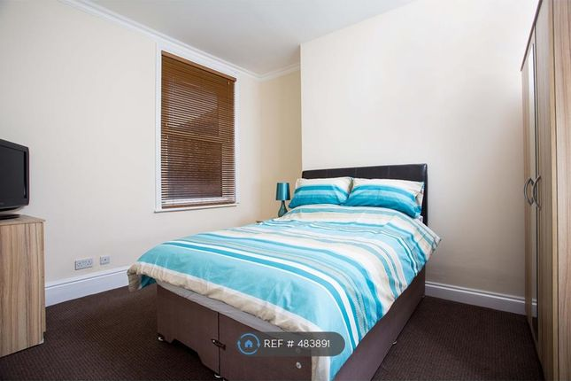 Thumbnail Room to rent in North End Avenue, Portsmouth