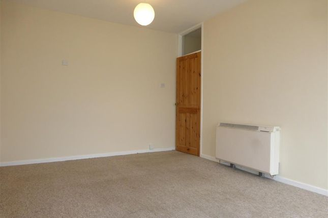 Thumbnail Maisonette to rent in Prowses, Hemyock, Cullompton