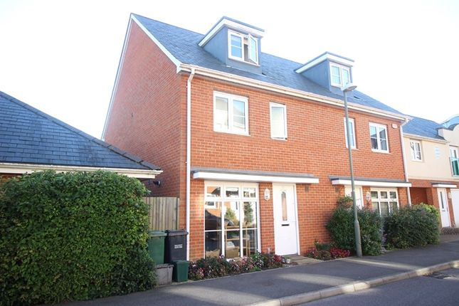 Thumbnail Semi-detached house to rent in Parritt Road, Redhill
