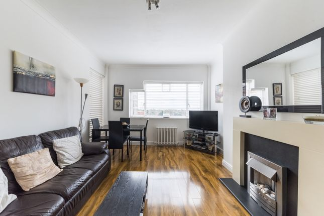 Thumbnail Flat for sale in Kendal Court, West Hampstead Borders