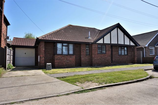 Thumbnail Bungalow for sale in Hetzand Road, Canvey Island
