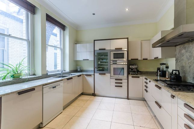 Maisonette to rent in Green Street, Mayfair, London