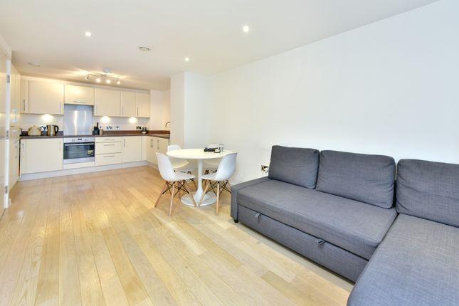 Thumbnail Flat to rent in Britannia Walk, London