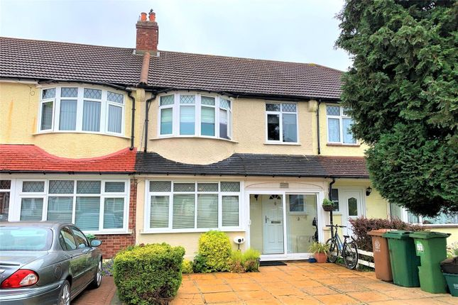 Thumbnail Terraced house for sale in Banstead Way, Wallington