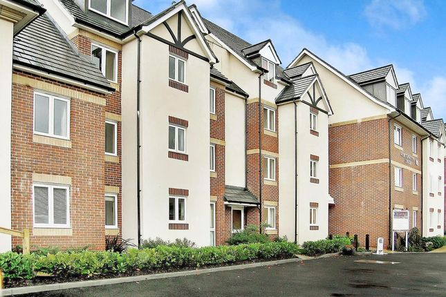 Thumbnail Flat to rent in East Street, Hythe