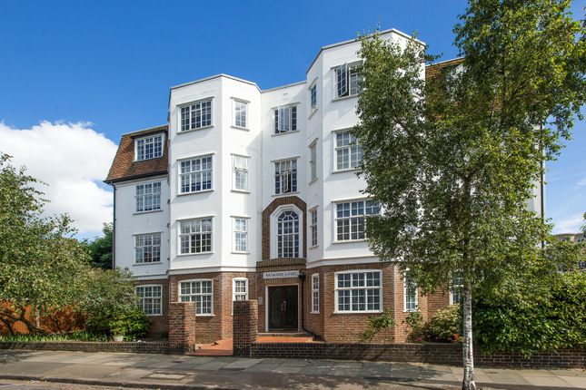 3 bed flat for sale in Raymond Road, London