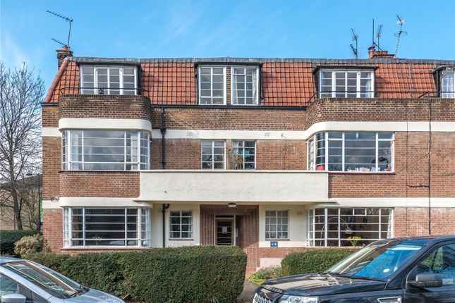 Thumbnail Flat to rent in Clissold Court, Greenway Close, London