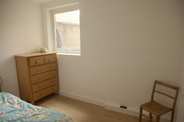 Bedroom 3 of Navarino Road, Hackney, London E8