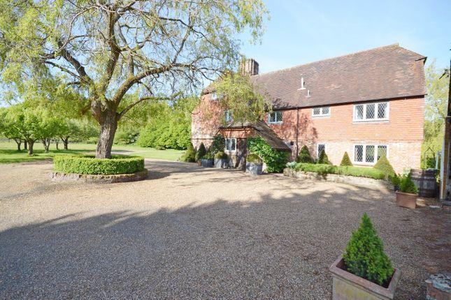 Thumbnail Farmhouse to rent in Herons Farm, Kirdford