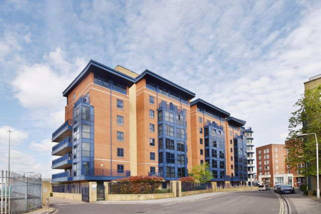 Flat for sale in Canute Road, Southampton