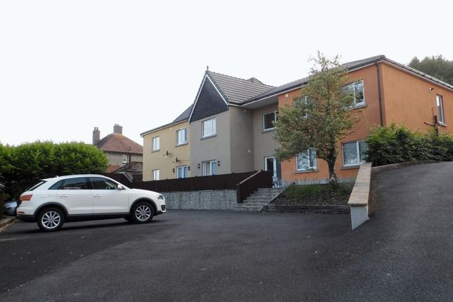 Thumbnail Flat to rent in Coed Y Neuadd, Bronwydd Road, Carmarthen