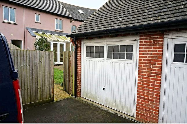 Property For Sale In Cowslip Close Wool