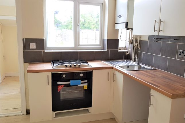 Thumbnail Town house to rent in Rosedale Avenue, Leicester