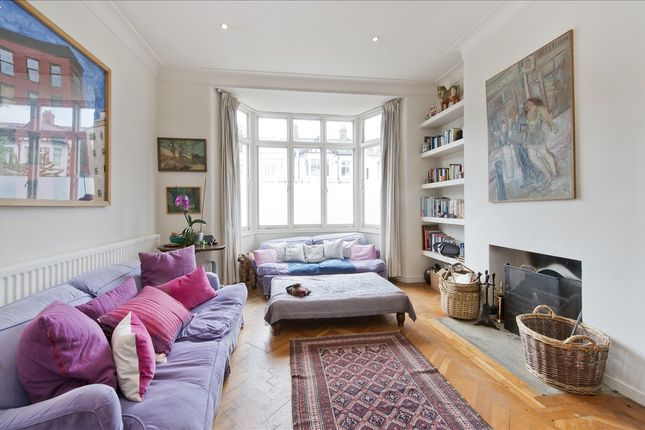Main Picture of Aldbourne Road, London W12