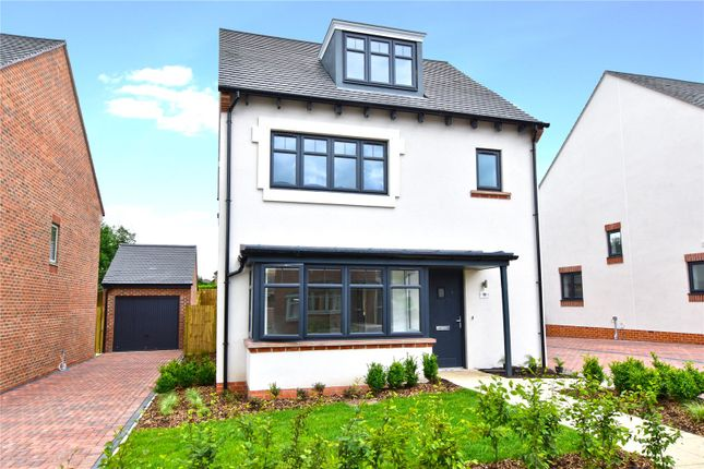 Thumbnail Detached house for sale in Bucknalls Lane, Garston, Watford, Hertfordshire