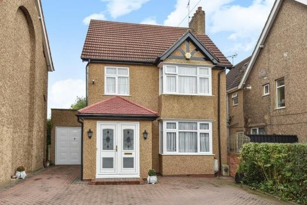 Thumbnail Property to rent in St. Bernards Road, Slough