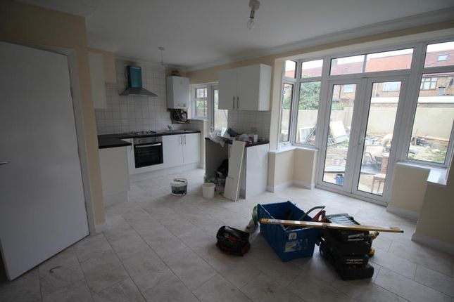 Thumbnail Property to rent in Causeyware Road, London