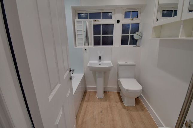 Bathroom 1 of Elmbank Avenue, Arkley, Barnet EN5