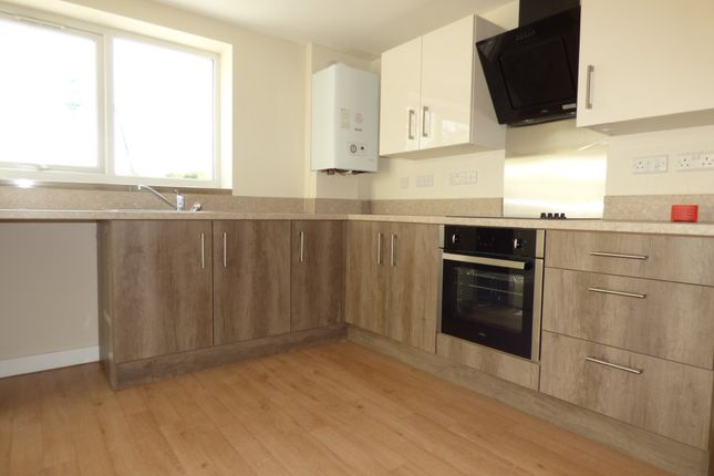 Thumbnail Flat to rent in Kingsteignton Road, Newton Abbot
