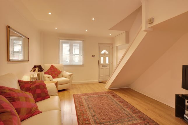 Thumbnail Terraced house to rent in Blyth Close, Canary Wharf