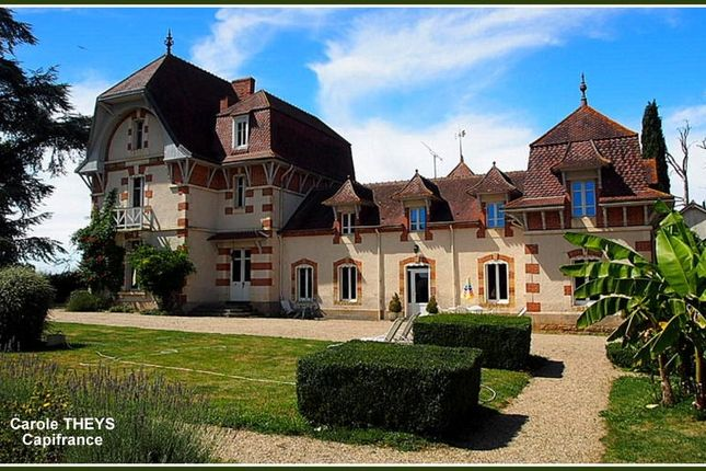 Thumbnail Property for sale in Auvergne, Allier, Montlucon