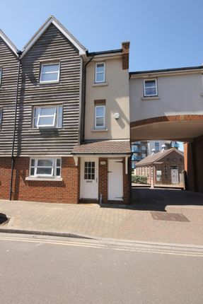 Thumbnail Town house to rent in Ropetackle, Shoreham By Sea