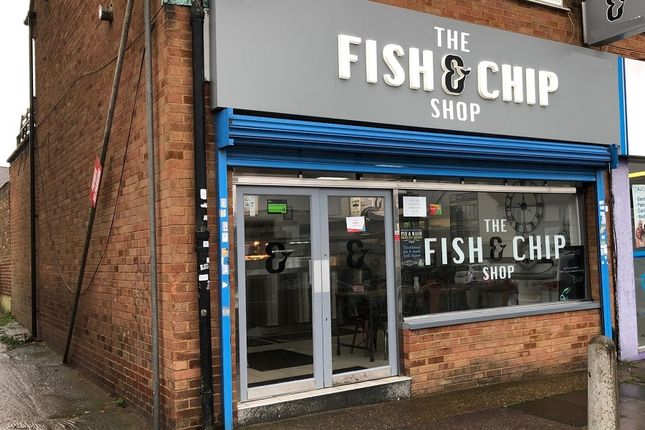 Thumbnail Restaurant/cafe to let in Barnet Road, Potters Bar, Herts