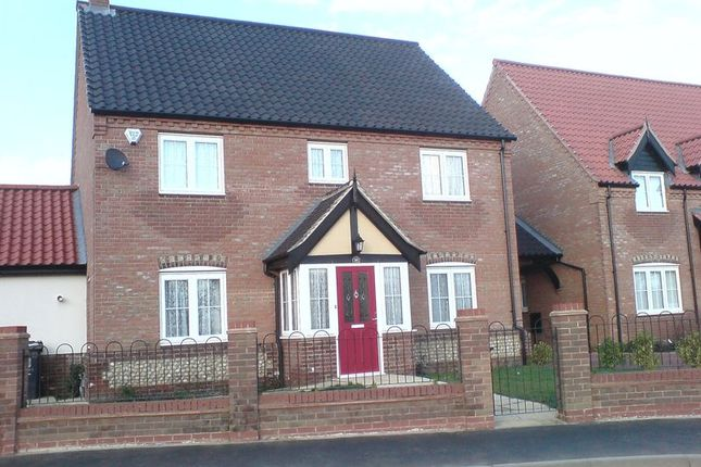 Thumbnail Detached house to rent in Waters Lane, Hemsby, Great Yarmouth