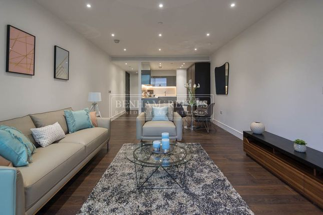 Thumbnail Flat to rent in Stable Walk, Aldgate East