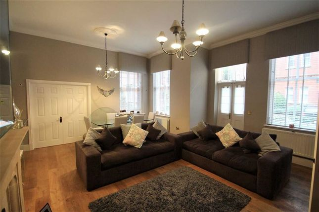 Thumbnail Flat for sale in Devonshire House, Woodford Green, Essex