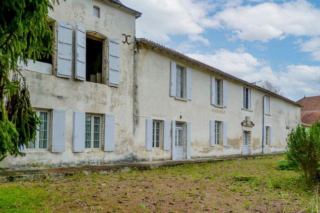 Thumbnail Villa for sale in Leoville, Charente-Maritime, Nouvelle-Aquitaine