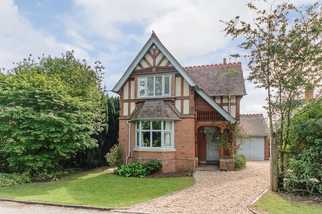 Thumbnail Detached house for sale in The Avenue, Stratford-Upon-Avon