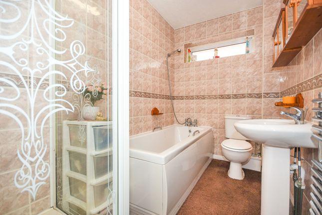 Bathroom of Barbara Close, Rochford SS4