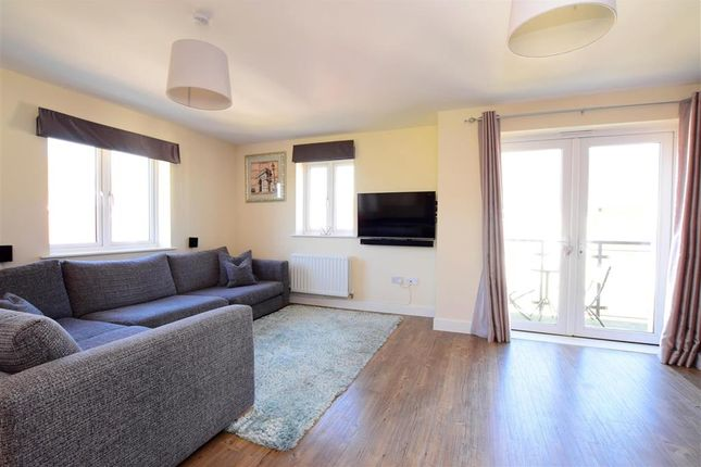 Lounge of Kilnwood Close, Faygate, Horsham, West Sussex RH12
