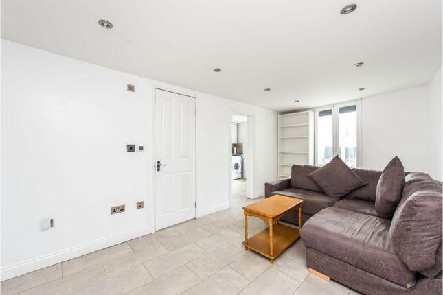 Living Room of Medfield Street, London SW15