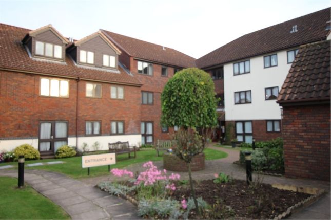 Thumbnail Flat for sale in Farm Hill Road, Waltham Abbey, Essex