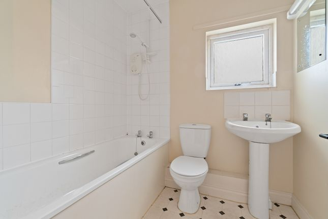 Bathroom of Pottery Road, Plymouth PL1